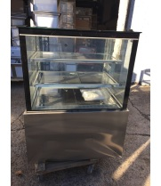 "Scratch & Dent - Universal UBDC36 36"" Refrigerated Bakery Display Case - Counter Height"
